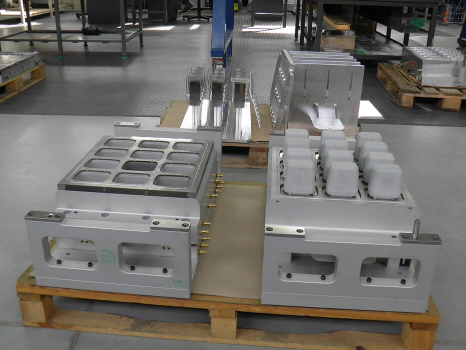 ILLIG-RDK54-Thermoform-tooling