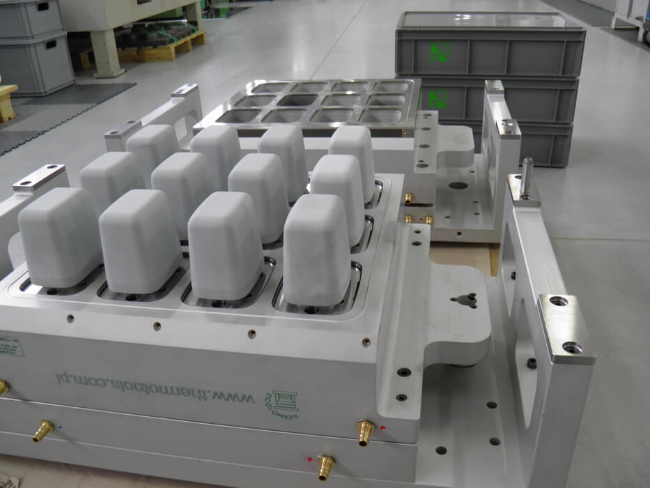 ILLIG-RDK54-Thermoforming-tooling