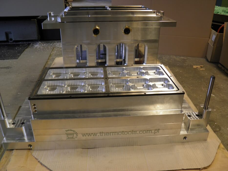 Kiefel-KMD-54-BFS-molds-forma-PP-Thermo-Tools