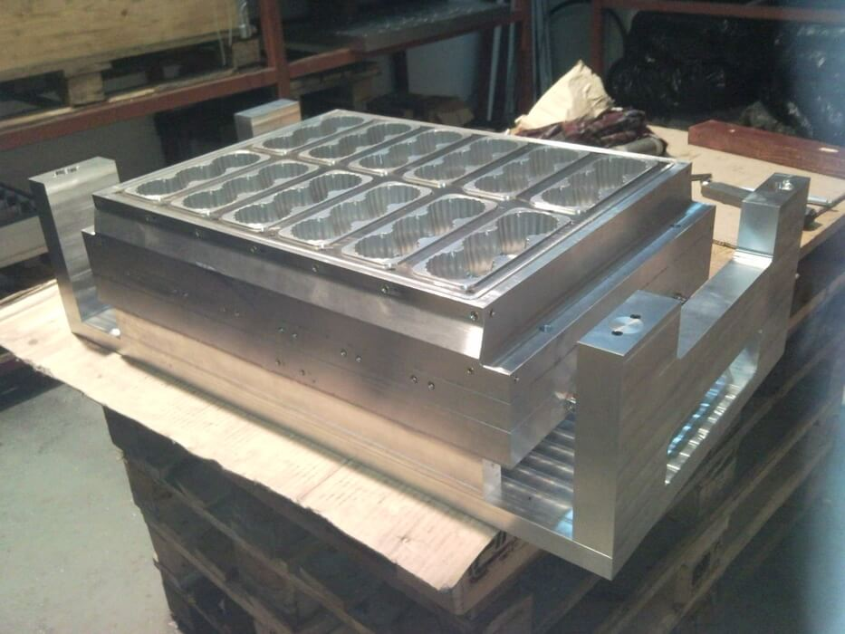 Thermoforming-tools-ILLIG-RDK-